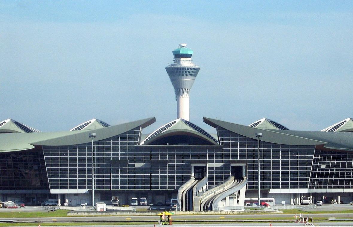 آشنایی با فرودگاه کوالالامپور در تور مالزی
