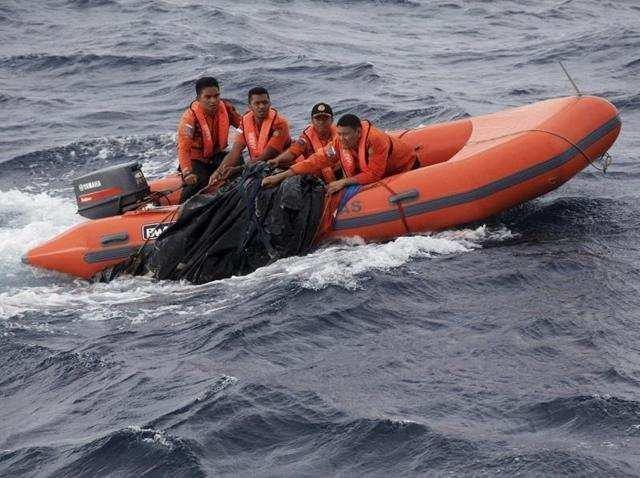 10 کشته در آتش سوزی کشتی اندونزیایی
