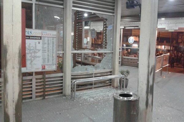 وقوع دو انفجار انتحاری در پایتخت اندونزی، 3 نفر کشته شدند