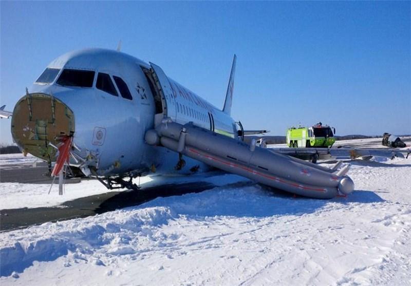 خروج هواپیما از باند در کانادا