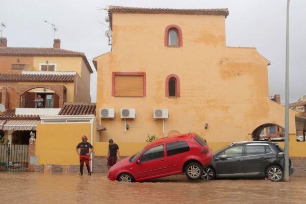 جاری شدن سیل در جنوب اسپانیا جان چهارتن را گرفت