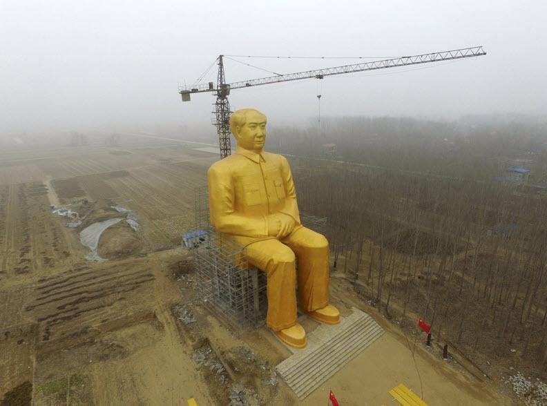 تب ساخت مجسمه های غول آسا در چین