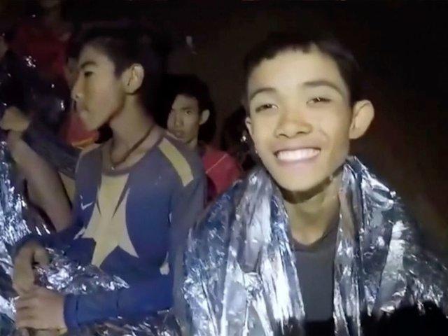 دعوت فیفا از 12 نوجوان تایلندی گرفتار در غار برای تماشای فینال جام جهانی