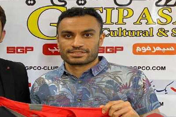 علی اصغر حسن زاده در تیم فوتبال گیتی پسند ماند