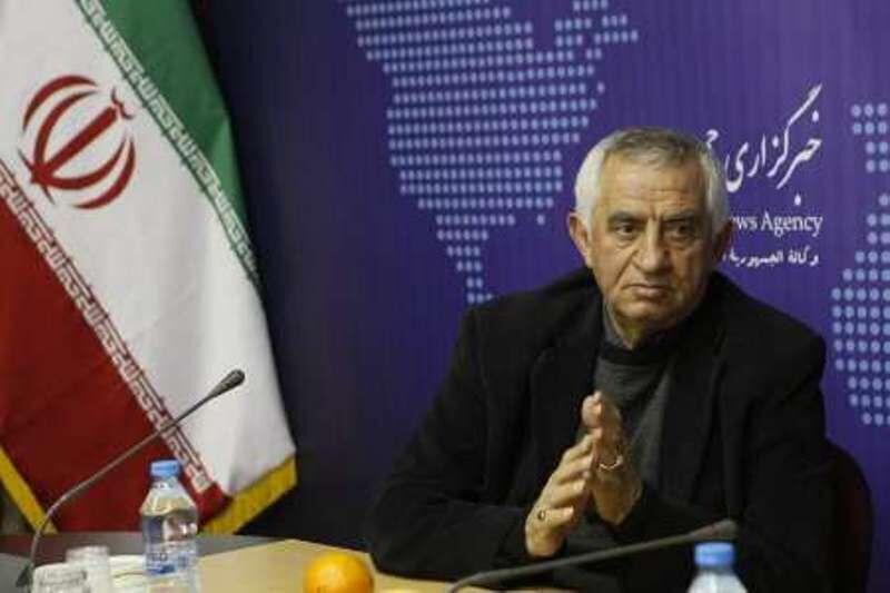خبرنگاران مناجاتی: دلالان فوتبال ایران را خالی از استعداد کرده اند
