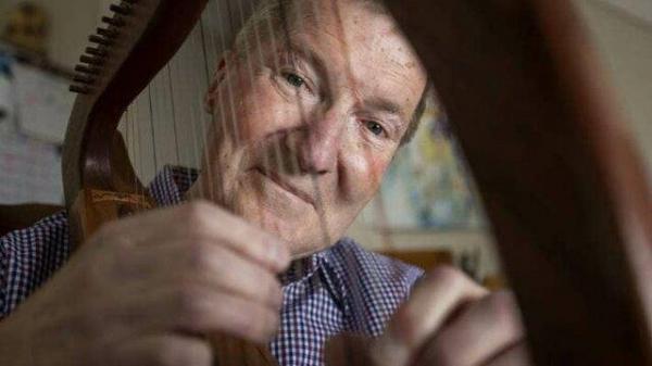 پیرمردی که در 82 سالگی فارغالتحصیل مقطع دکتری میشود